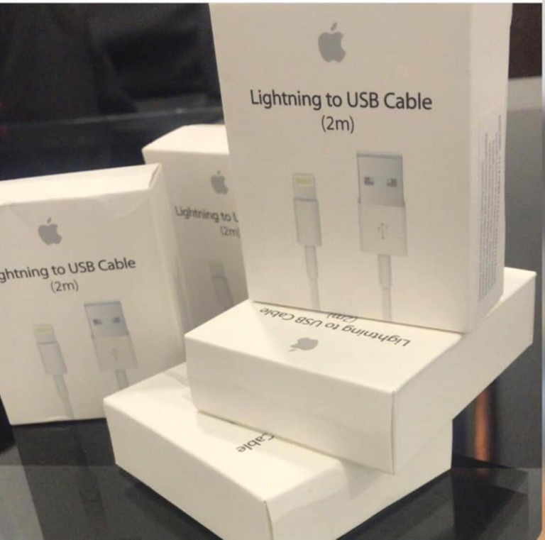 Lightning to USB Cable (2 m) photo review